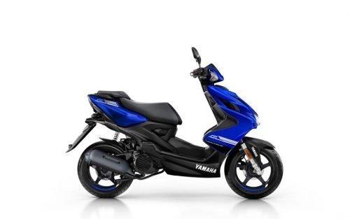 Yamaha Aerox scooter blauw